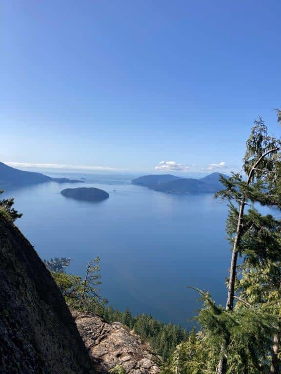 View of the islands in the Howe Sound from the Tunnel Bluffs hike viewpoint